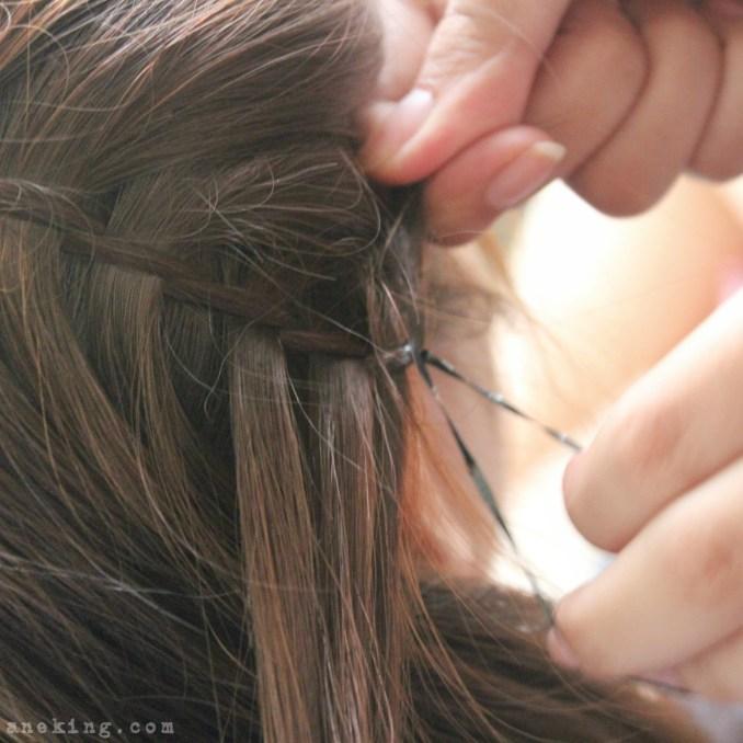 waterfall-braid-headband-step-9