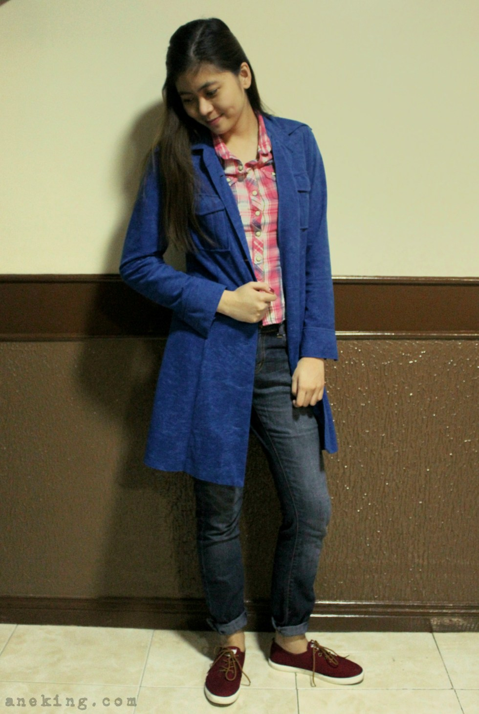 ways to wear blue coat 4