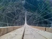 Puente suspendido en Trift