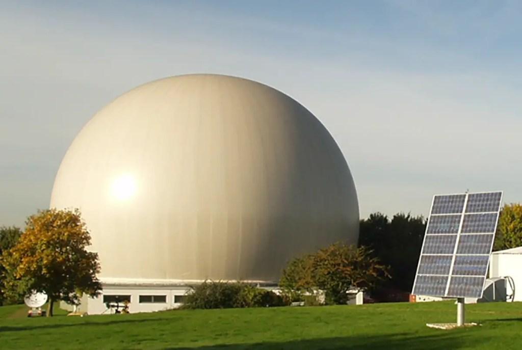 Fotografía de un observatorio astronómico.