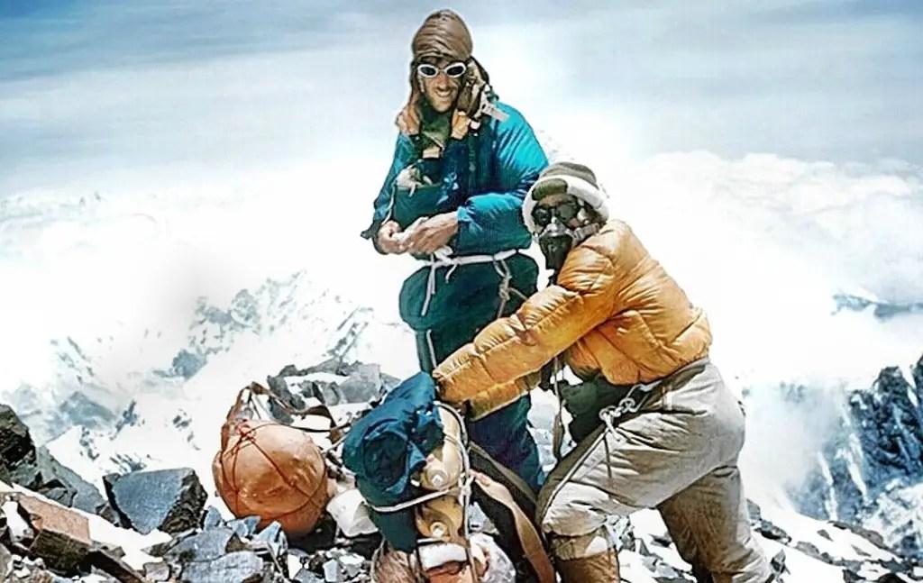 Fotografía de los escaladores Edmund Hillary y Tenzing Norgay.