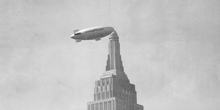 El puerto aéreo del Empire State y los dirigibles que se anclaban a este