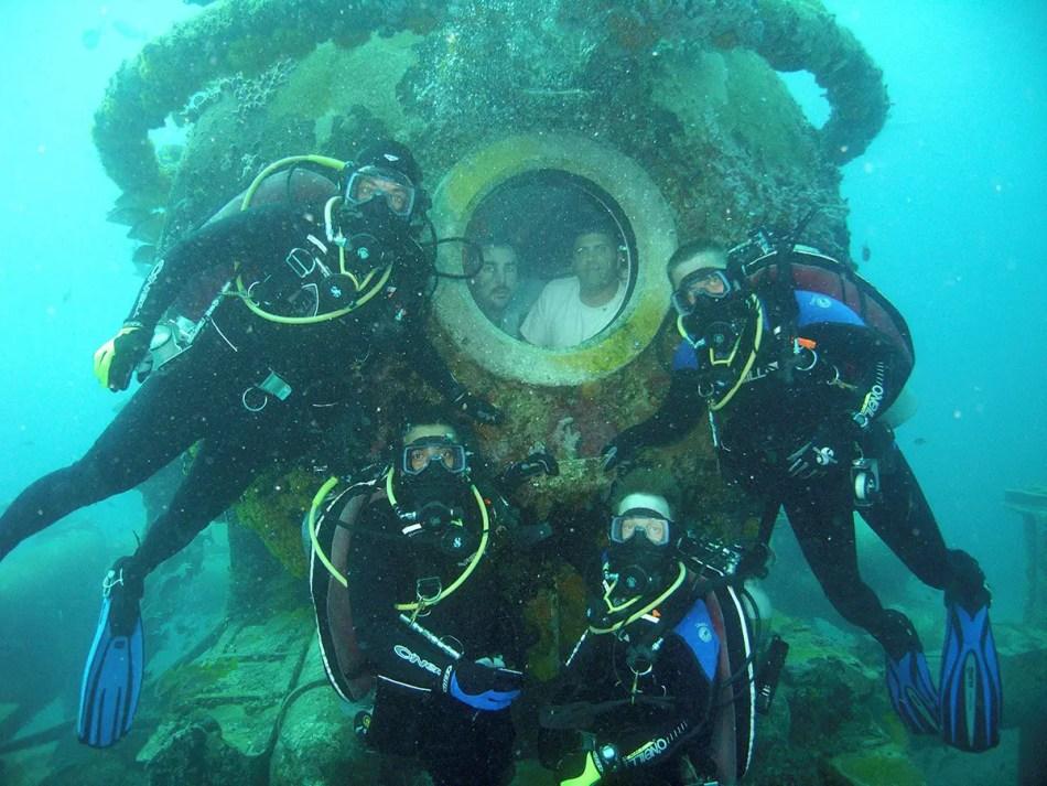 Fotografía de la base subacuática de la NASA NEEMO.