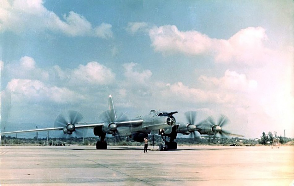 Fotograía de un avíon soviético.