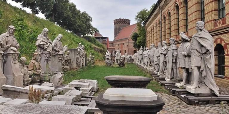 La prisión para estatuas caídas en desgracia de Spandau