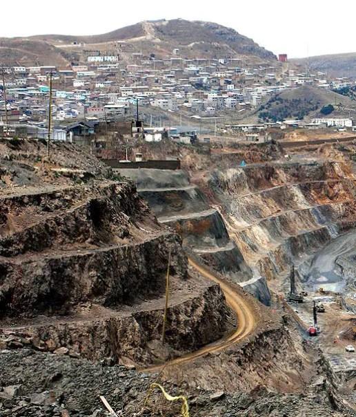 Fotografía de la mina Tajo Abierto Raúl Rojas