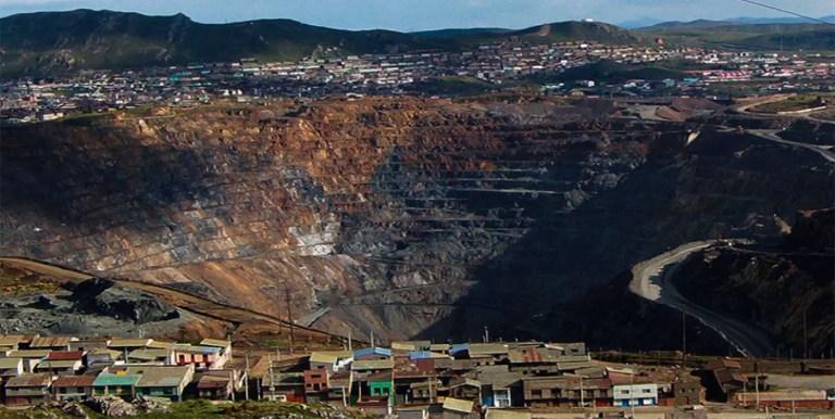 Tajo Abierto Raúl Rojas, la mina a cielo abierto que devora a una ciudad