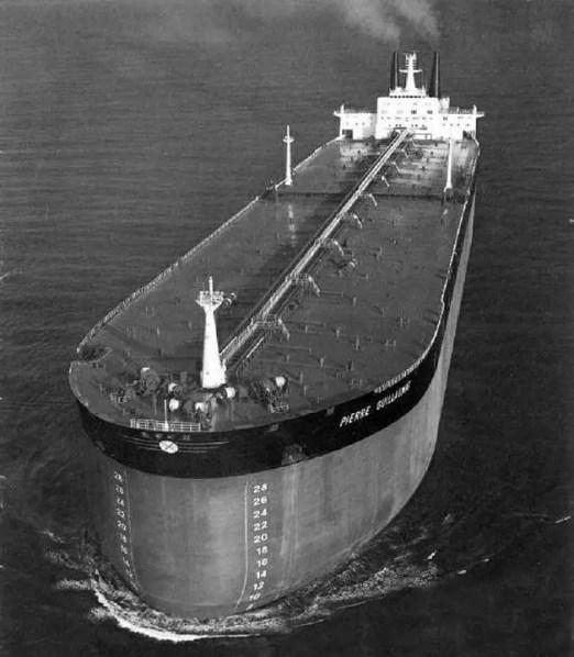 Fotografía del carguero más grande del mundo.