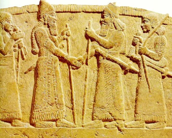 Fotografía de un relieve mesopotámico.