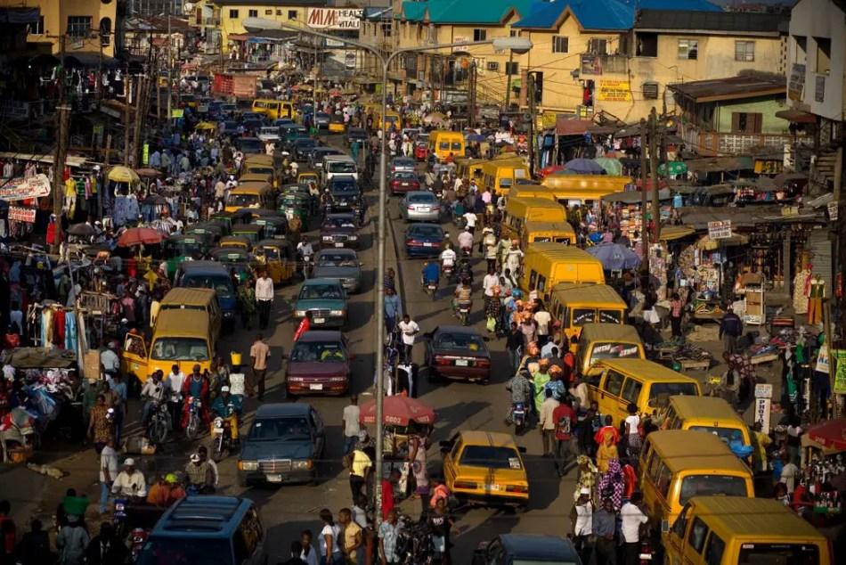 Fotografía de la ciudad superpoblada de Lagos.