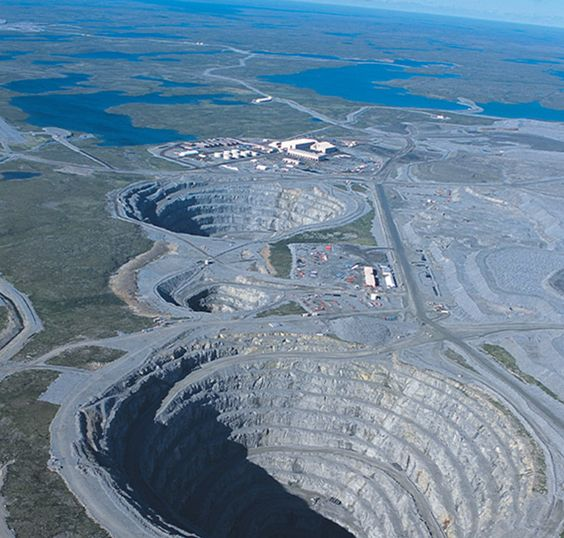 Fotografía aérea de la Mina de diamantes de Diavik.
