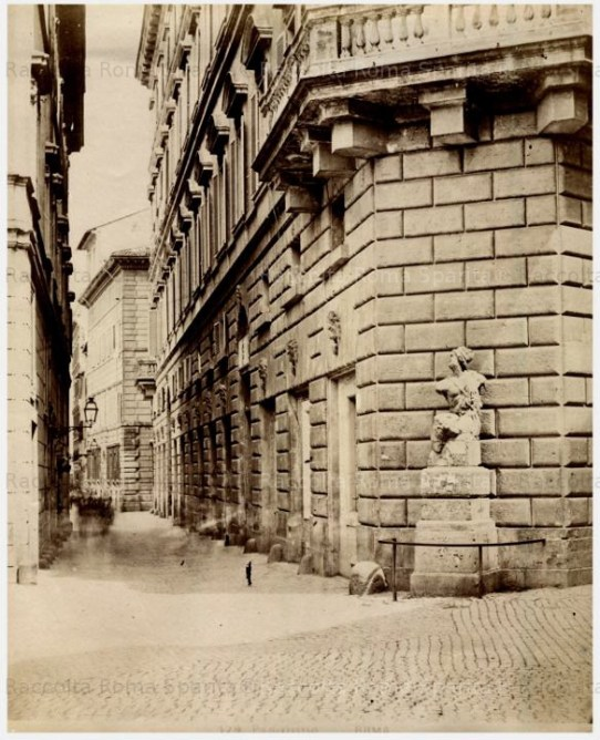 Fotografía de una de las estatuas parlantes de Roma.