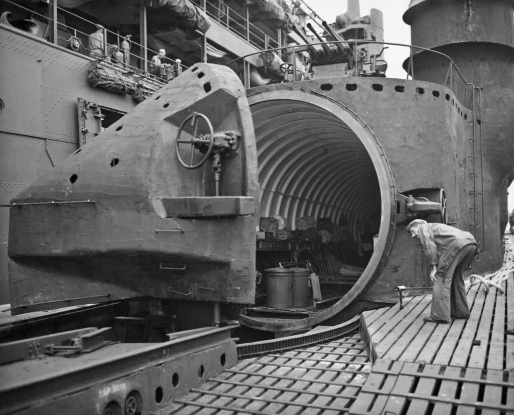 Detalle del submarino I-400.