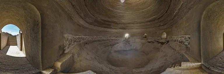 Fotografía del interior de un Yakhchal persa.