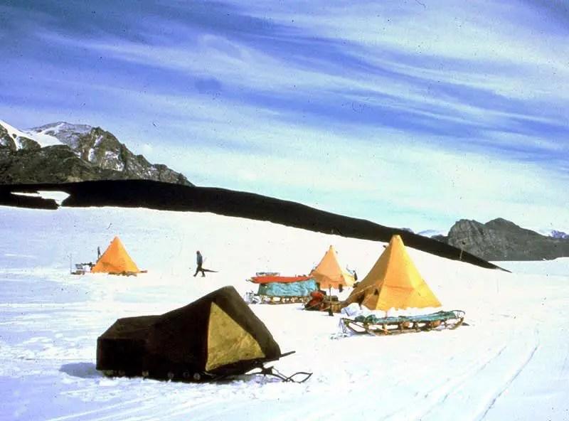 Fotografía de un campamento.