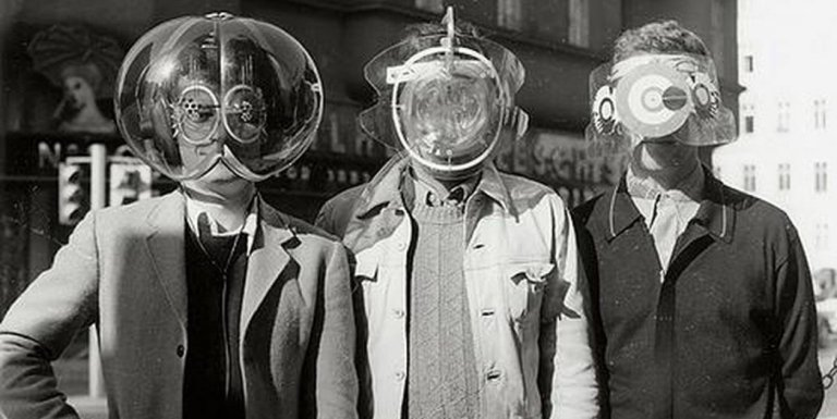 El casco Cabeza de Mosca de Haus-Rucker-Co, el mismo permitía ver el mundo externo de de otra manera.