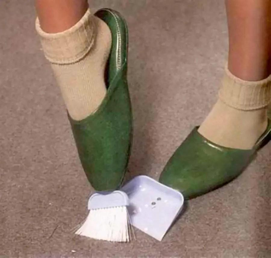 Alpargatas listas para limpiar el piso sin tener que agacharse.
