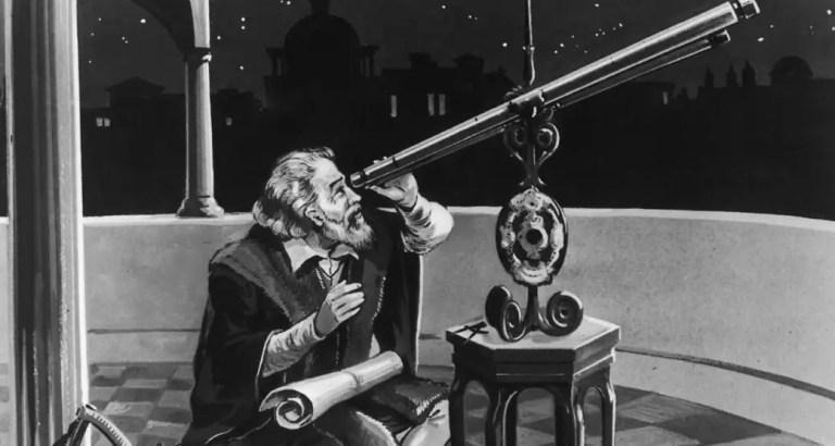 Ilustración de Galileo Galilei mirando a través de su telescopio.