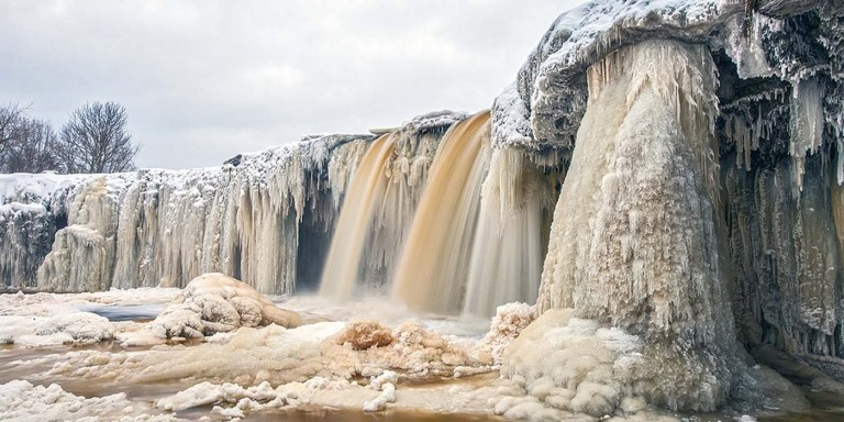 Cascadas congeladas de Valaste.