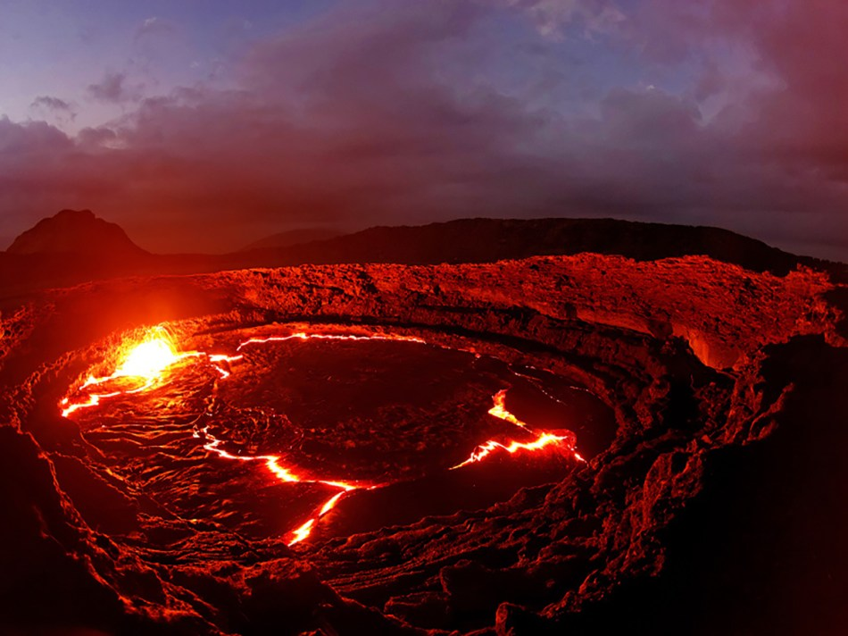 Lago de lava del volcán Erta-ale.