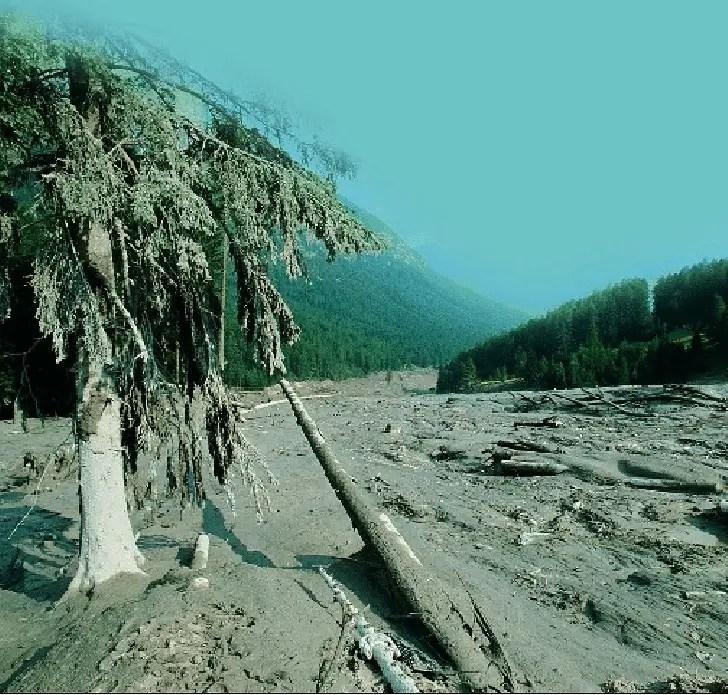 Efectos de la rotura de la represa Prealpi mineraia.
