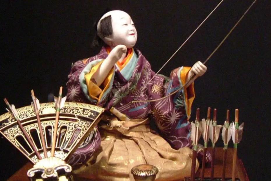 Un Karakuri ningyo, los autómatas sirvientes del Japón.