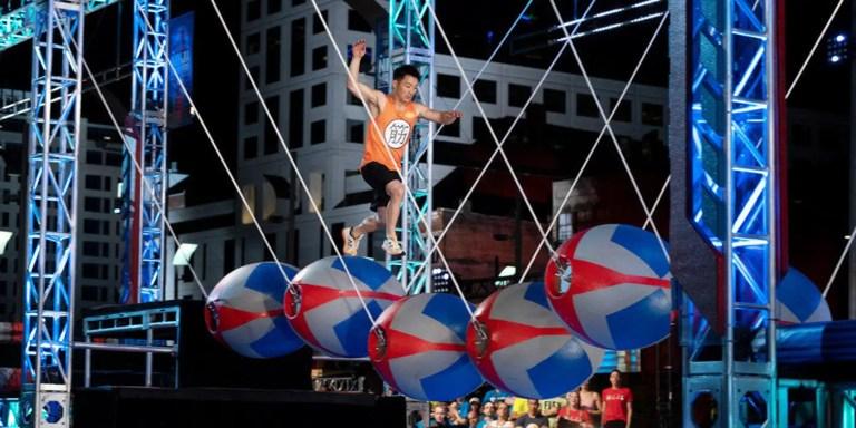 La primera persona en vencer el curso de obstáculos de Ninja Warrior
