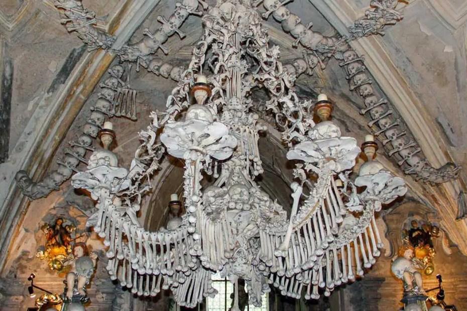 Detalle del techo del Osario de Sedlec.