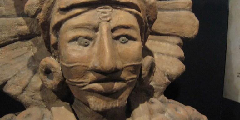 El piercing en la cultura maya y el piercing en la antigüedad.
