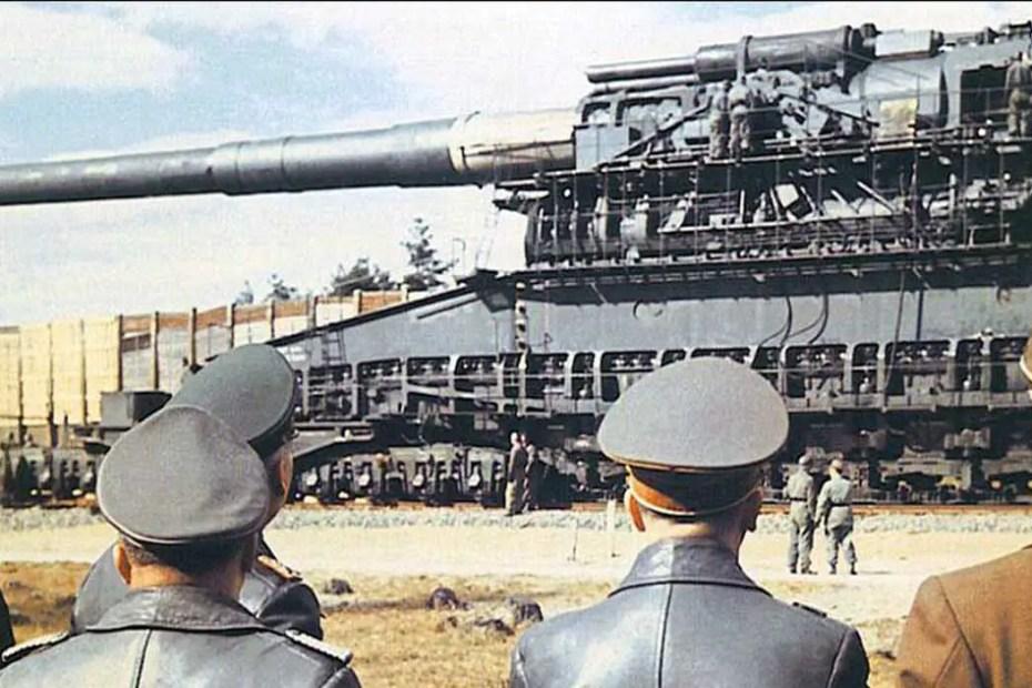Inspección por las autoridades alemanas del Schwerer Gustav.