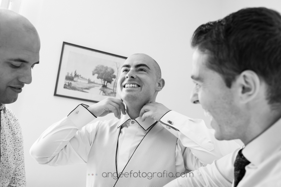 Preparación de novio. Boda Consuelo y David. Angela Gonzalez Fotografía.