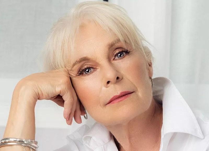 Ruth boudoir blog cover white boudoir mature beauty