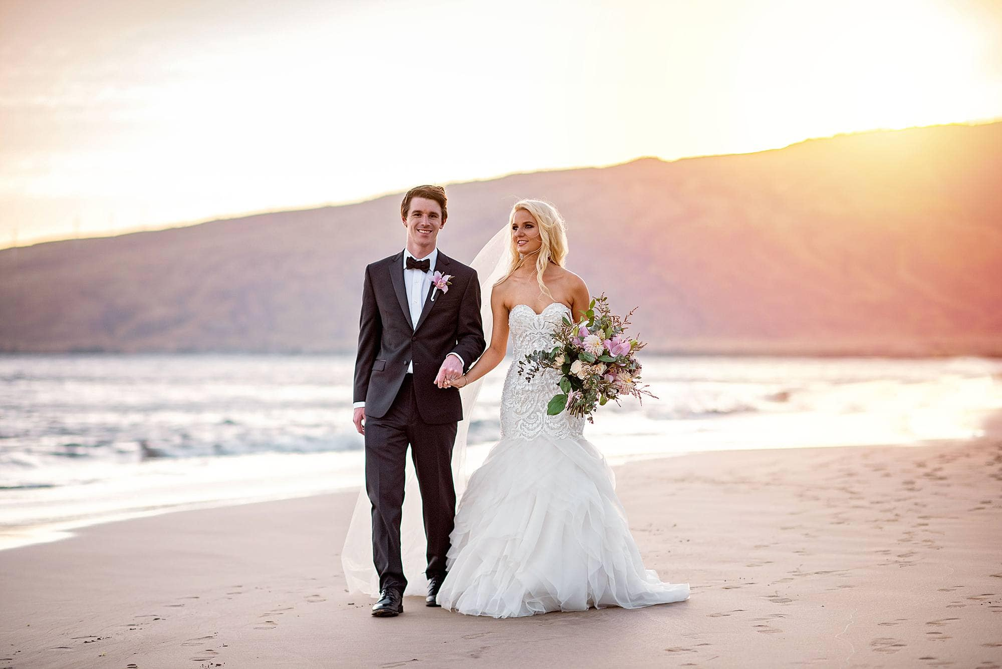 29301ad533 Luxurious Maui Wedding at Sugar Beach Events | Angela Nelson Photography