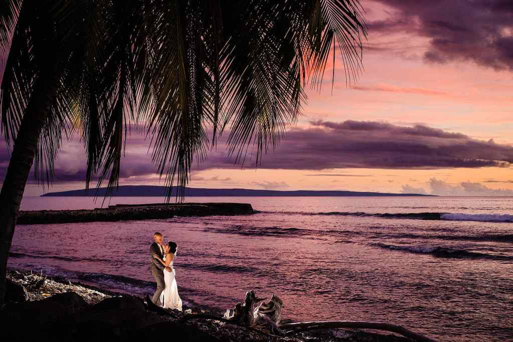 beautiful pink sunset at olowalu plantation house