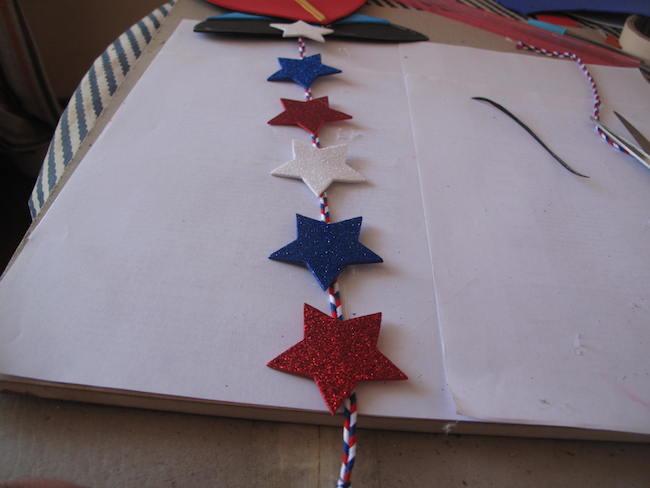 15-pegar-cordón-tricolor-estrellas