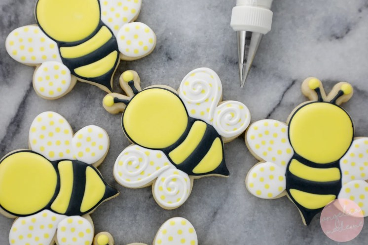 Cute Bumble Bee Cookie Tutorial