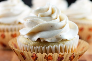 Banana-Cupcakes-Feature