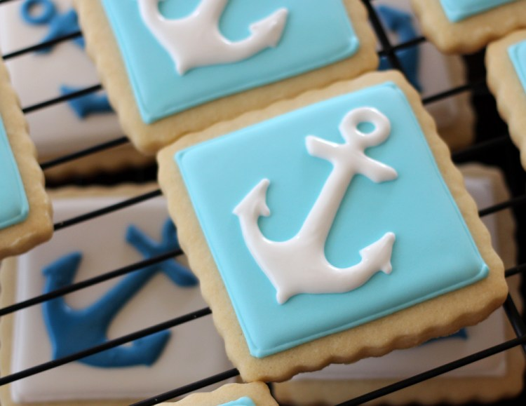 Nautical-cookies-anchor-white