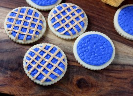BlueberryPieCookies04