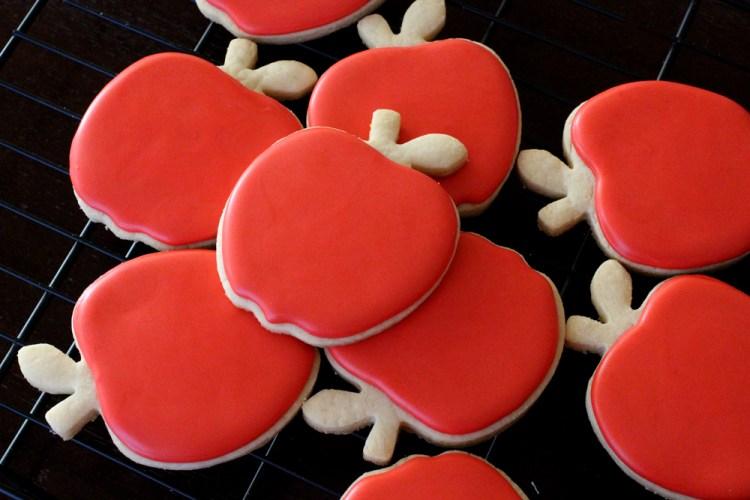 Poison-Apple-Sugar-Cookies-01