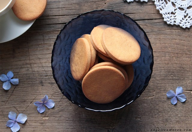 Frollini all'amaranto senza glutine e latticini