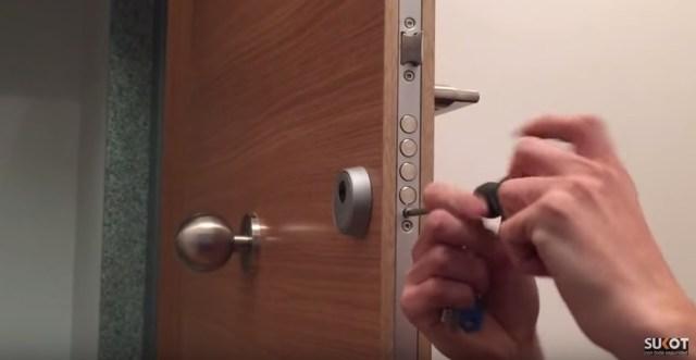 como instalar escudo seguridad