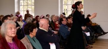 Tania en publiek in Hermitage