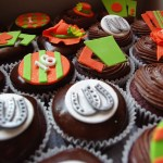 horse racing themed cupcakes, chocolate cupcakes, bar one ganache, chocolate butter icing, custom made sugar paste decorations