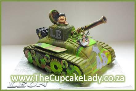 novelty cake, tank shaped cake, camouflage, custom sugar paste, custom fondant