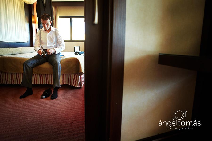 La tensa calma. Boda María y Salva. Ángel Tomás Fotógrafo de bodas en Córdoba.