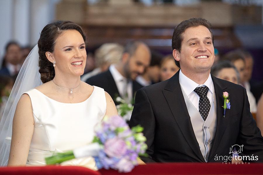 Reportaje fotografía de boda realizado en Cuenca por Ángel Tomás Fotógrafo de bodas. Iglesia de San Pedro