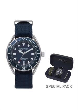 NAUTICA Gents Wrist Watch Model PORTOFINO MPN 2 straps, special packaging MPN NAPPRF009