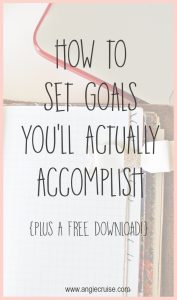I believe that setting goals works! When you set goals, you give yourself a direction and a plan. Read on to find out how I set goals I can accomplish!