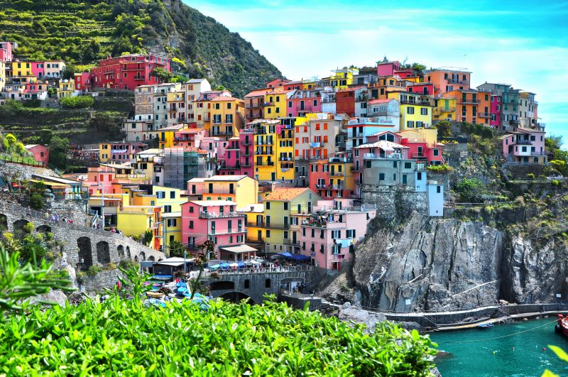 This image has an empty alt attribute; its file name is Manorola-Cinq-terre-smalljpg.jpg